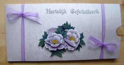 Geld envelop witte bloemen