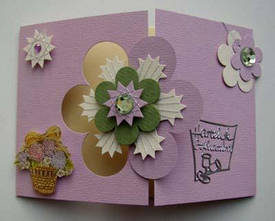 Lila kaart met spirelli bloem