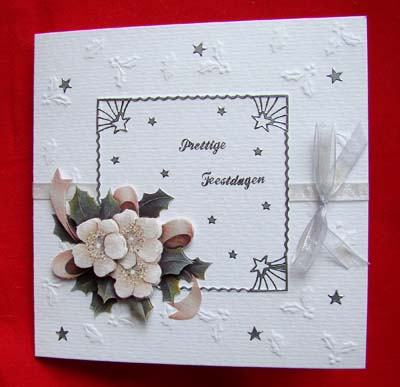 Witte kaart met bloemen kerst